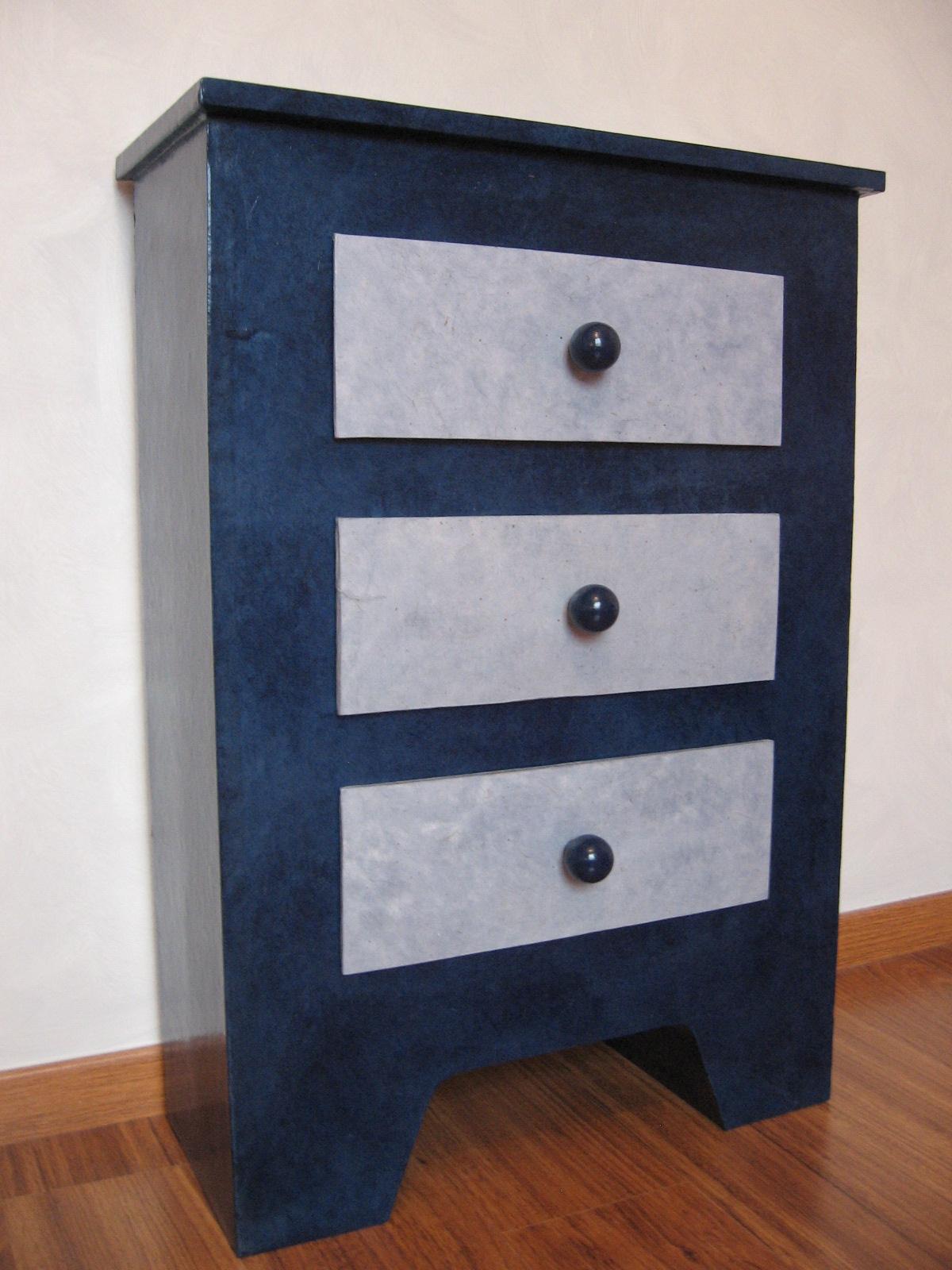 les tout en carton d anne meubles en carton. Black Bedroom Furniture Sets. Home Design Ideas